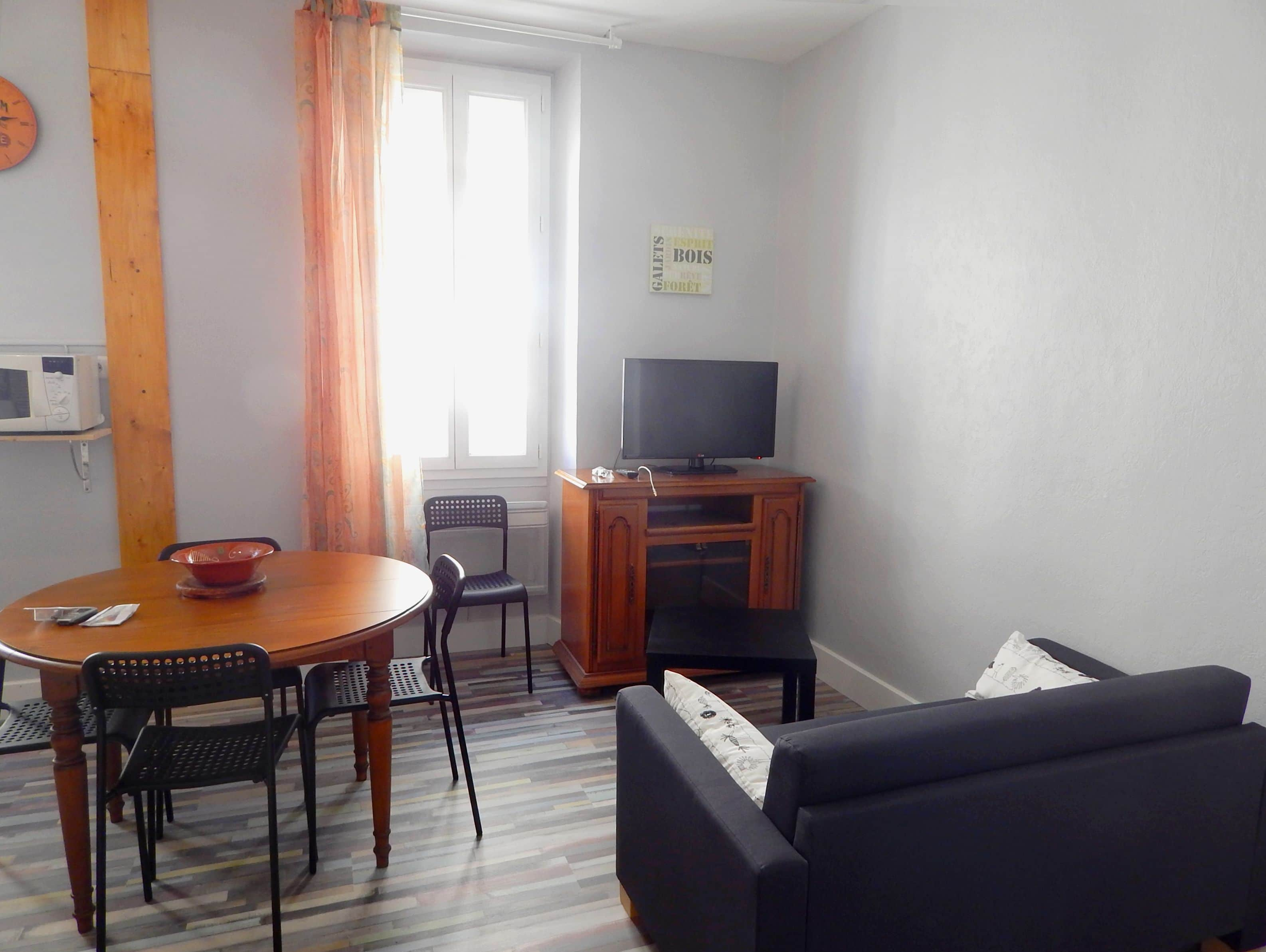Appartement meubl a louer marseille 13010 type 2 for Location appartement meuble