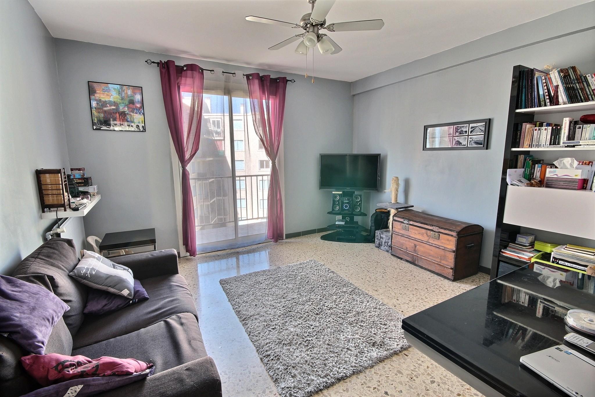 exposio 0001 cabinet lebreton. Black Bedroom Furniture Sets. Home Design Ideas