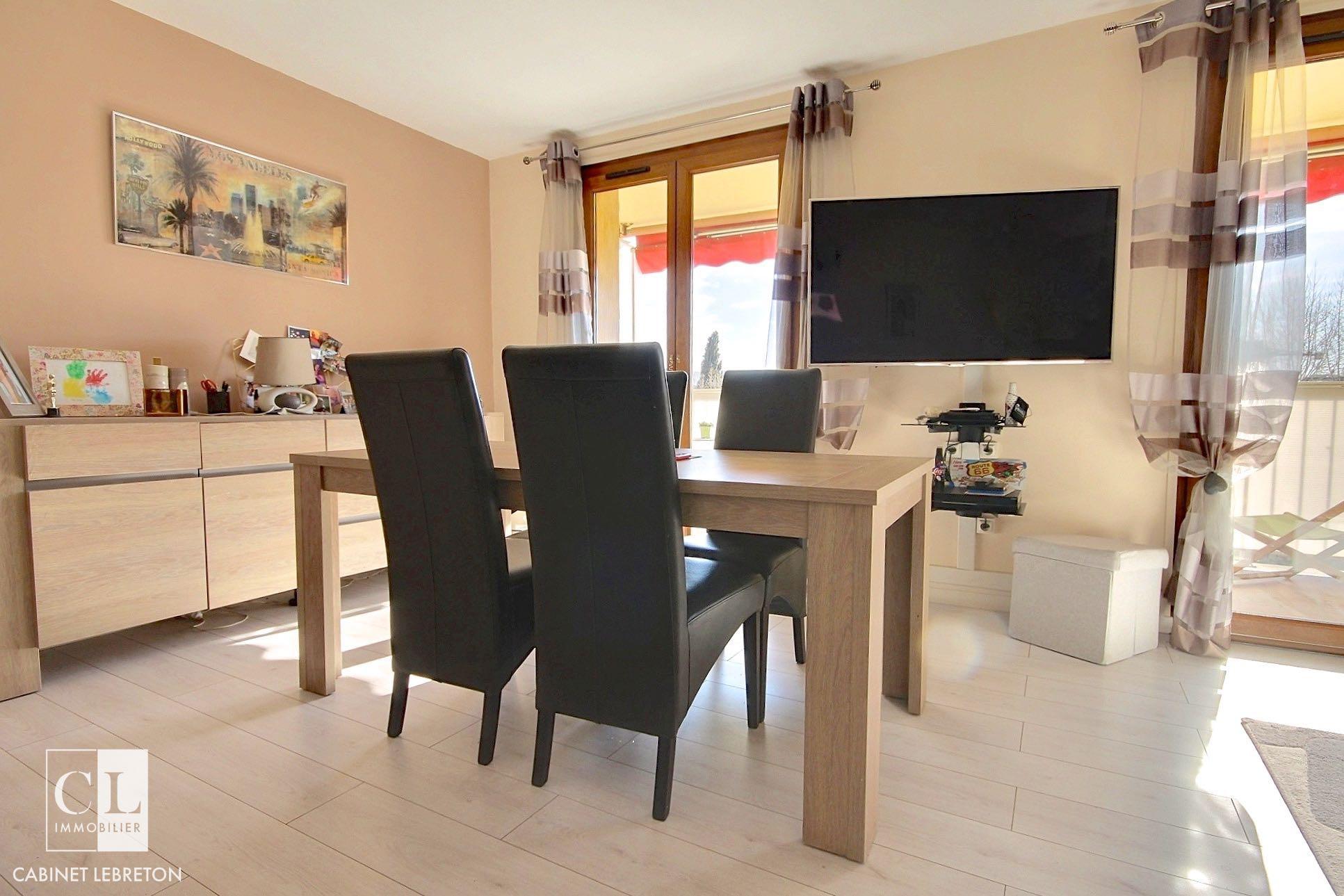 exposio 0004 cabinet lebreton. Black Bedroom Furniture Sets. Home Design Ideas